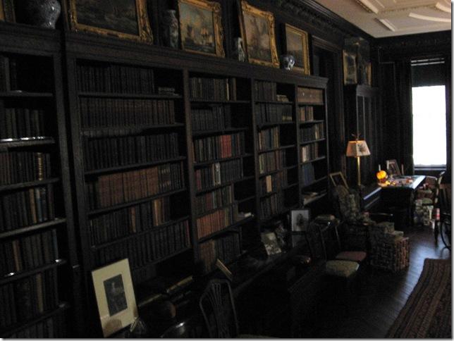 FDRs bookshelves 02