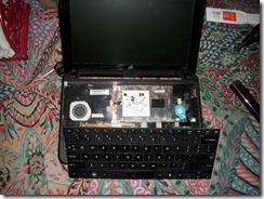 Poor little netbook 02