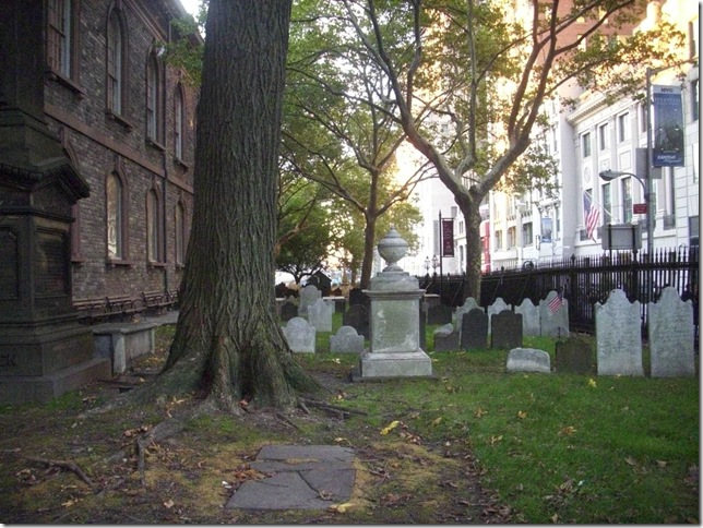 10 05 2011 OCW St Pauls churchyard