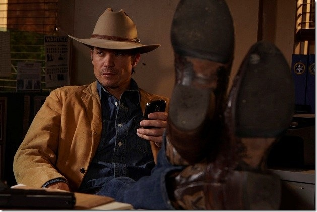 Justified Raylan relaxed