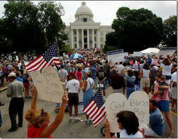 Roy Moore 2003 Rally at Alabama State House Kelly McGinley via Wikipedia