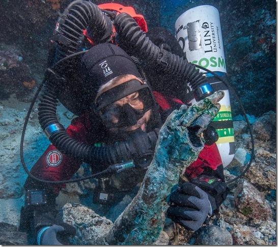 NYT Roman Shipwreck Bronze arm Brett Seymour EUA Argo