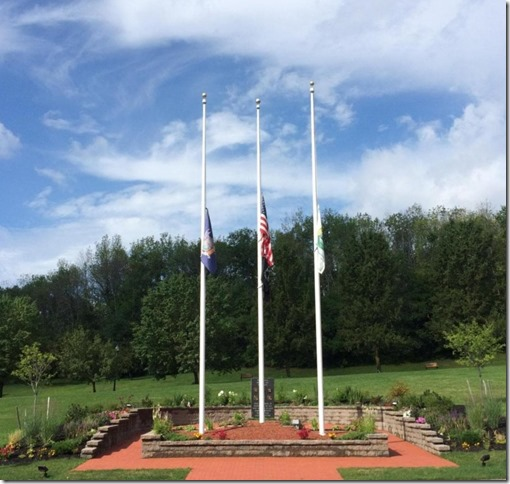 2018 08 02 Flags for Dad Niskayuna Town Hall photo by Diane (2)