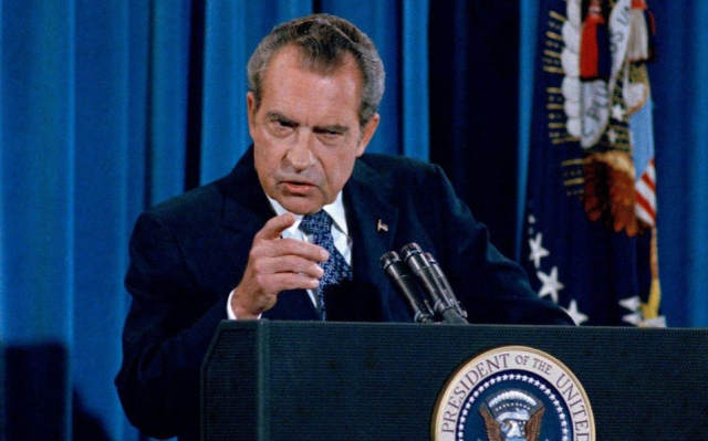 Nixon He is not a crook AP photo via National Journal - Edited