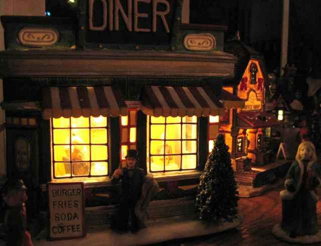 Village_diner_03_lm