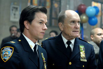 We_own_the_night_wahlberg_and_duval