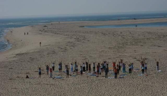 Yoga_on_the_beach_03f